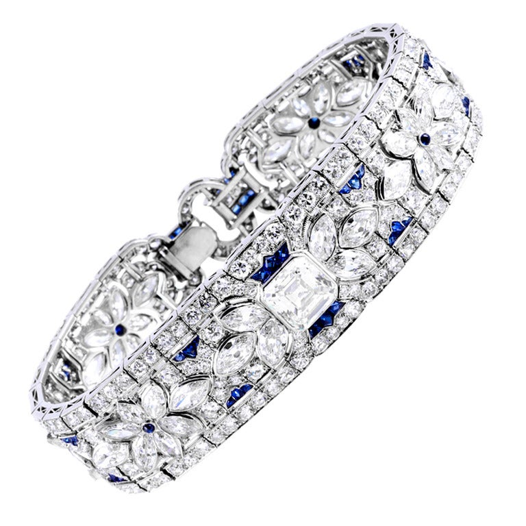 Incredible Diamond and Sapphire Art Deco Platinum Bracelet For Sale