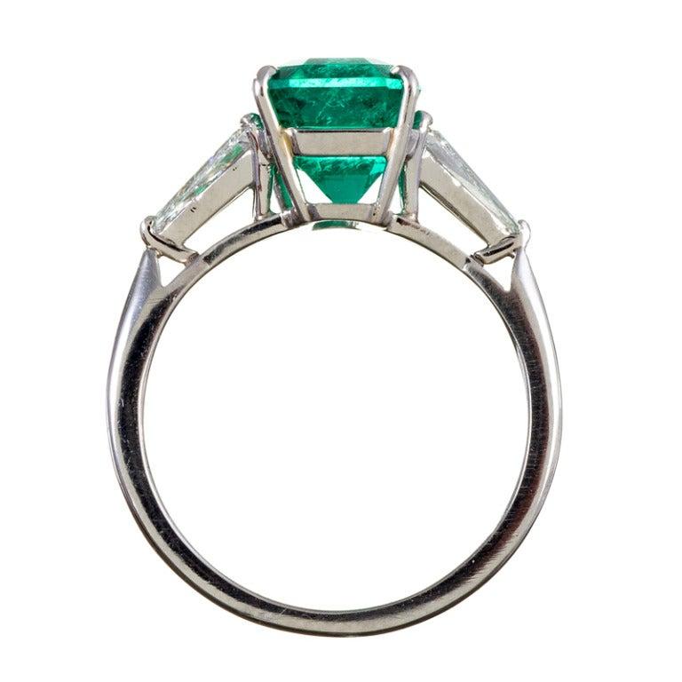 Classic 3.50 Carat Emerald and Trillion Diamond Ring 4
