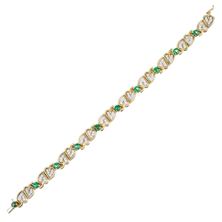 Charming Heart Motif Diamond and Emerald Yellow Gold Bracelet 2