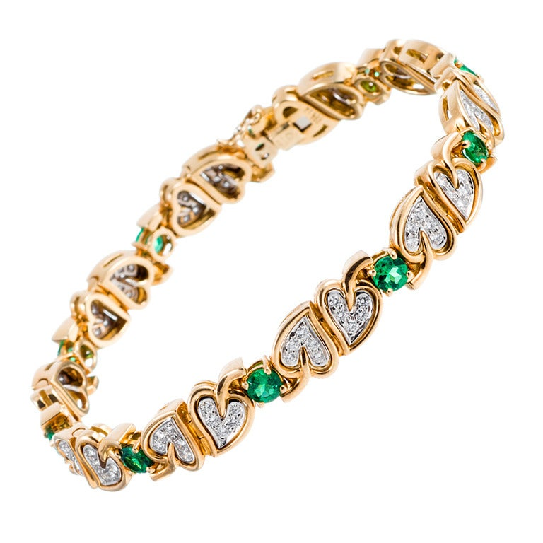 Charming Heart Motif Diamond and Emerald Yellow Gold Bracelet 1