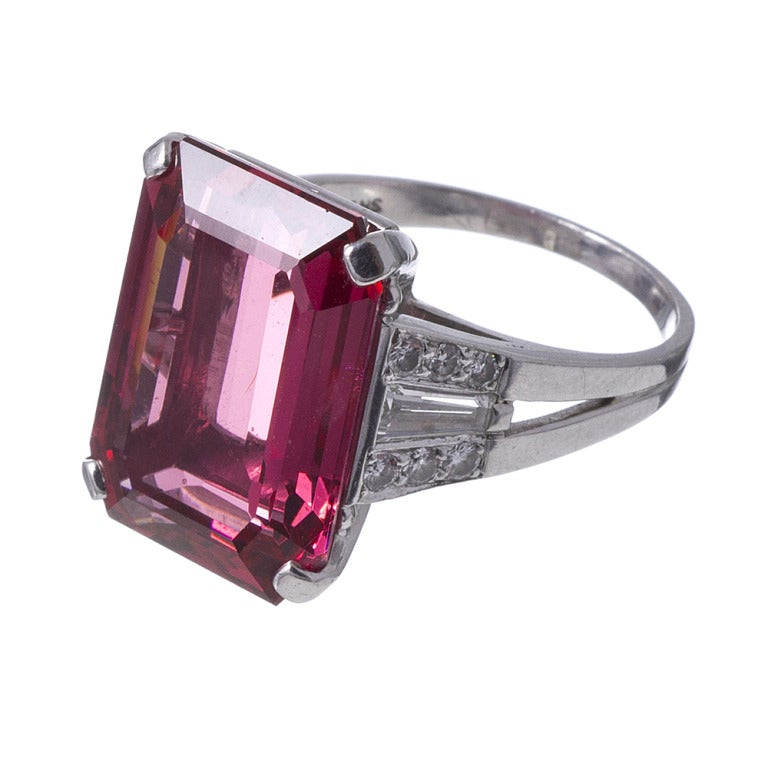 Alluring 1950s Spinel Cocktail Ring 2