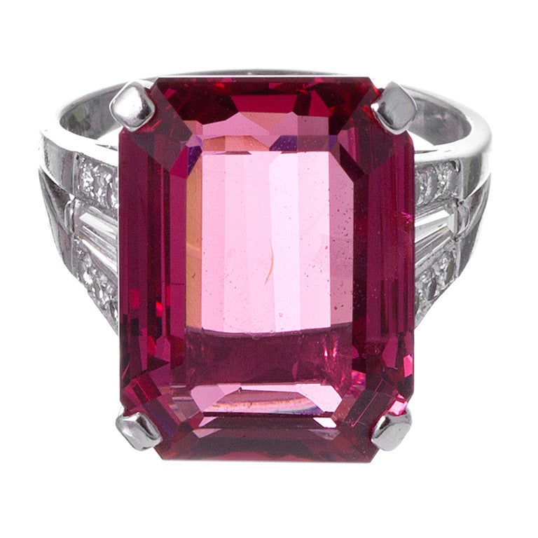 Alluring 1950s Spinel Cocktail Ring 1
