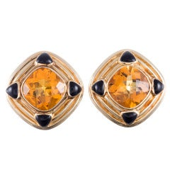 Sophisticated 1980s Citrine Onyx Earclips