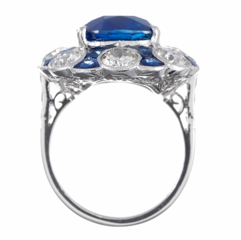 Women's Stunning No Heat Ceylon Sapphire Ring For Sale
