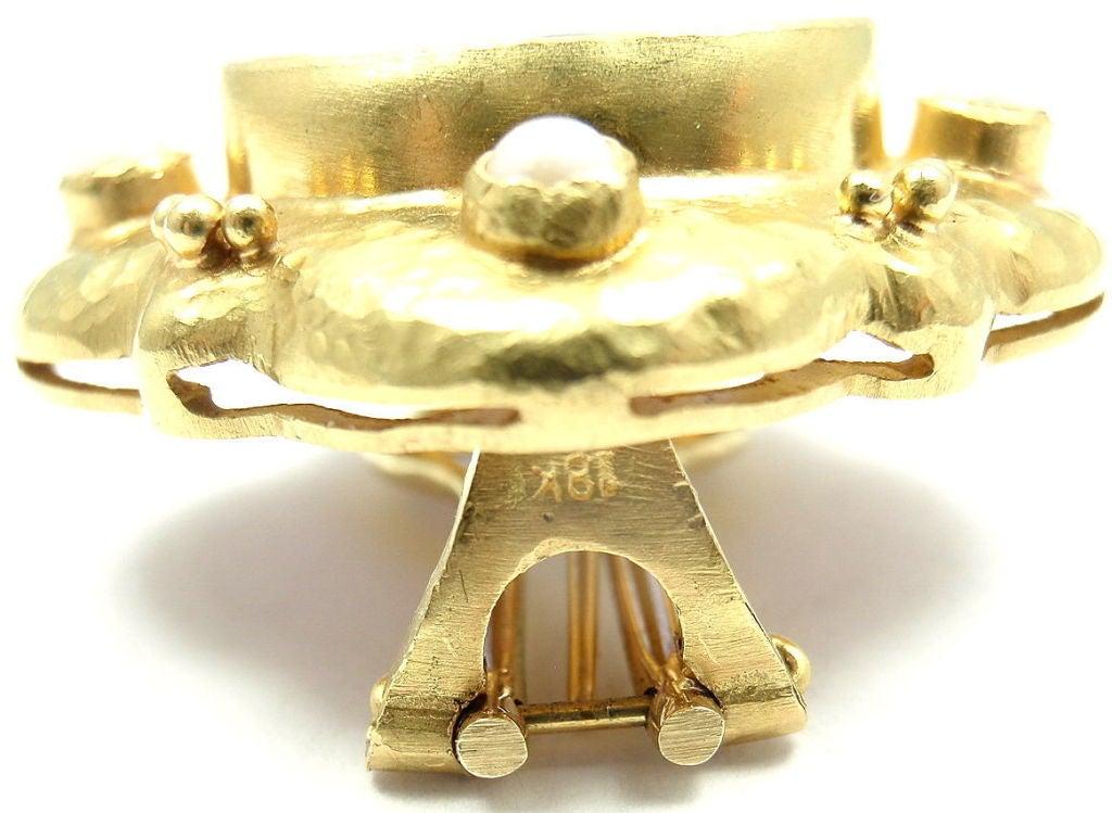 Elizabeth Locke Venetian Glass Intaglio Pearl Yellow Gold Earrings 4
