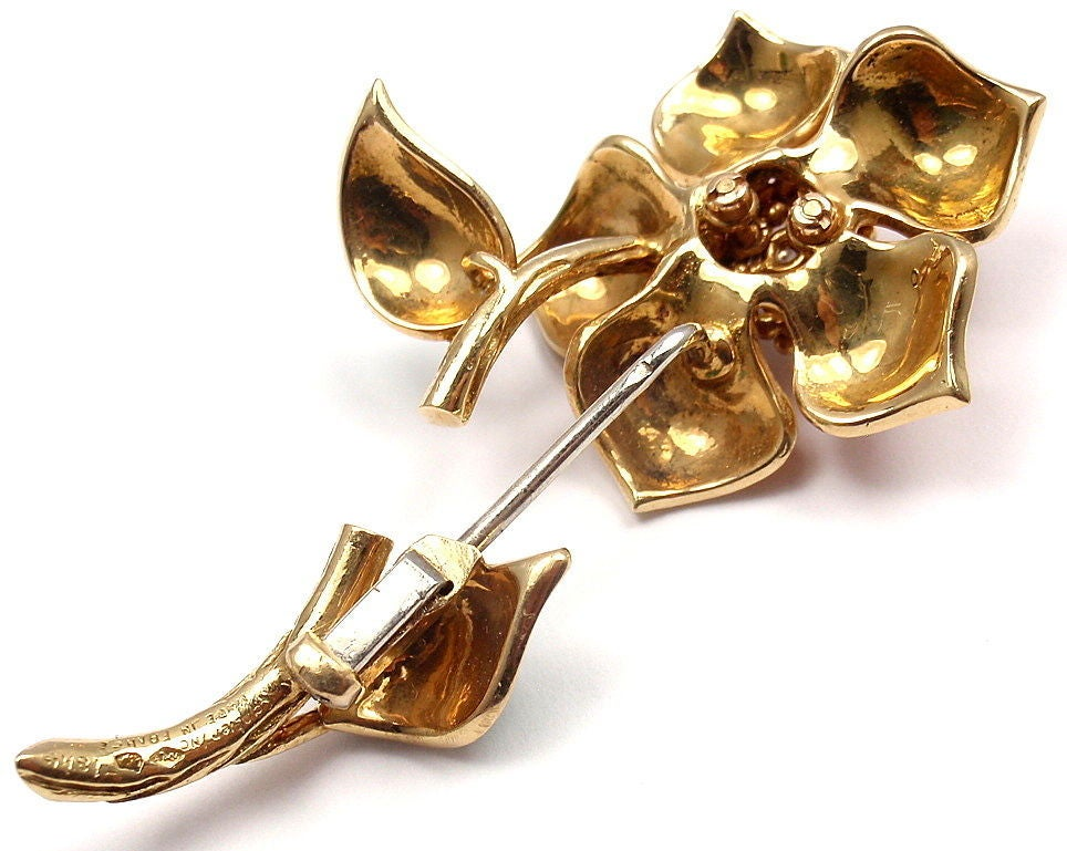 CARTIER Enamel Diamond Yellow Gold Flower Pin Brooch 7