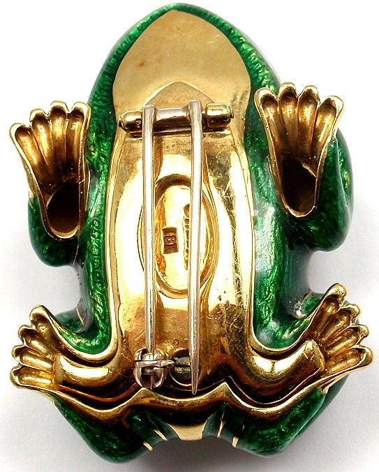 DAVID WEBB Lucky Frog Green Enamel Ruby Yellow Gold Pin Brooch For Sale 1