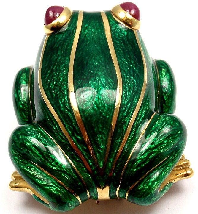 DAVID WEBB Lucky Frog Green Enamel Ruby Yellow Gold Pin Brooch For Sale 3