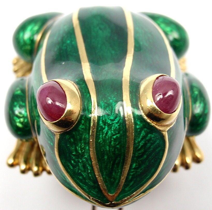 DAVID WEBB Lucky Frog Green Enamel Ruby Yellow Gold Pin Brooch For Sale 5