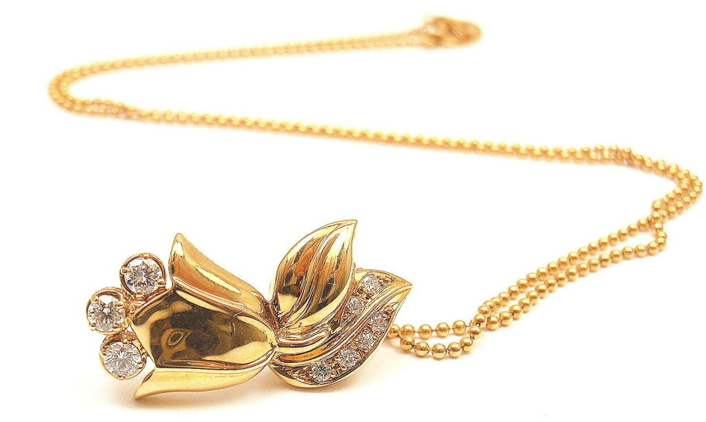 CHRISTIAN DIOR Diamond Yellow Gold Tulip Necklace For Sale at 1stdibs
