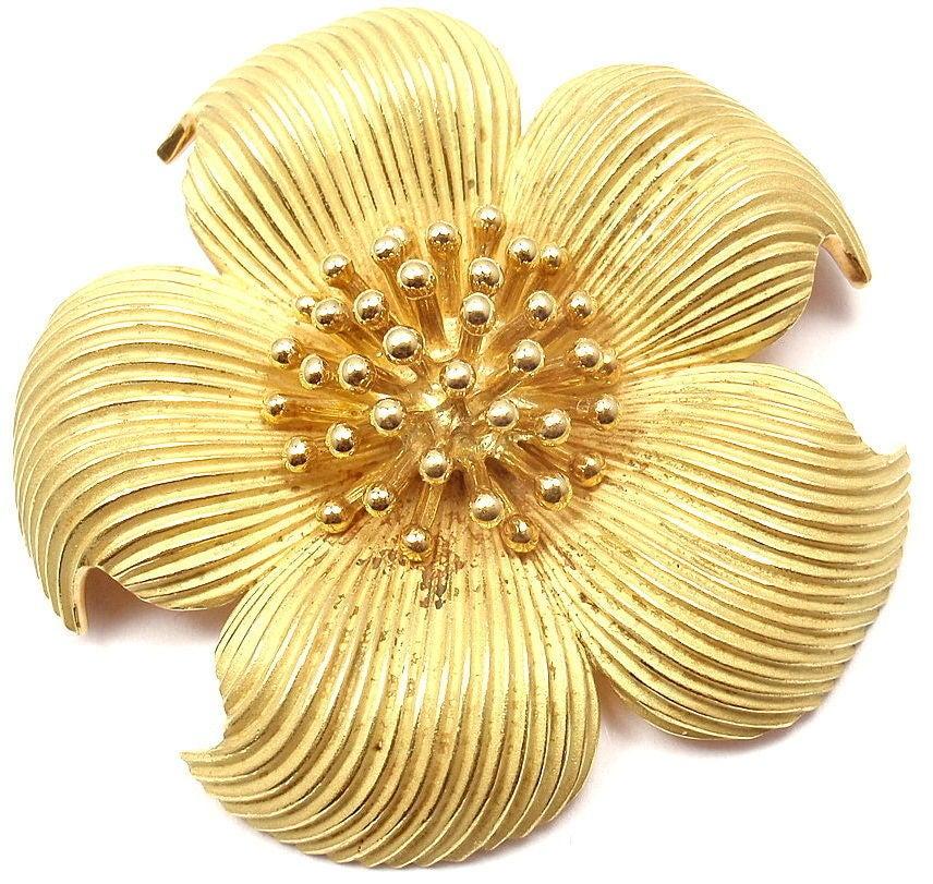 3c7b23b1f588d TIFFANY & CO. Yellow Gold Dogwood Flower Brooch