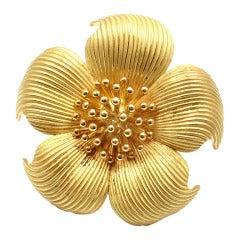 TIFFANY & CO. Yellow Gold Dogwood Flower Brooch
