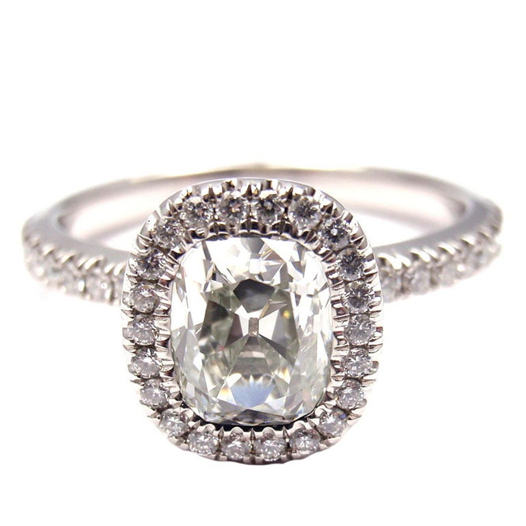 DEBEERS Aura Solitaire Diamond Platinum Engagement Ring at 1stdibs
