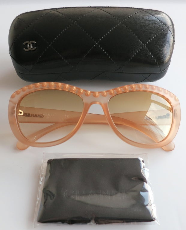 Unworn CHANEL PARIS encapsulated fresh water pearl sunglasses image 10
