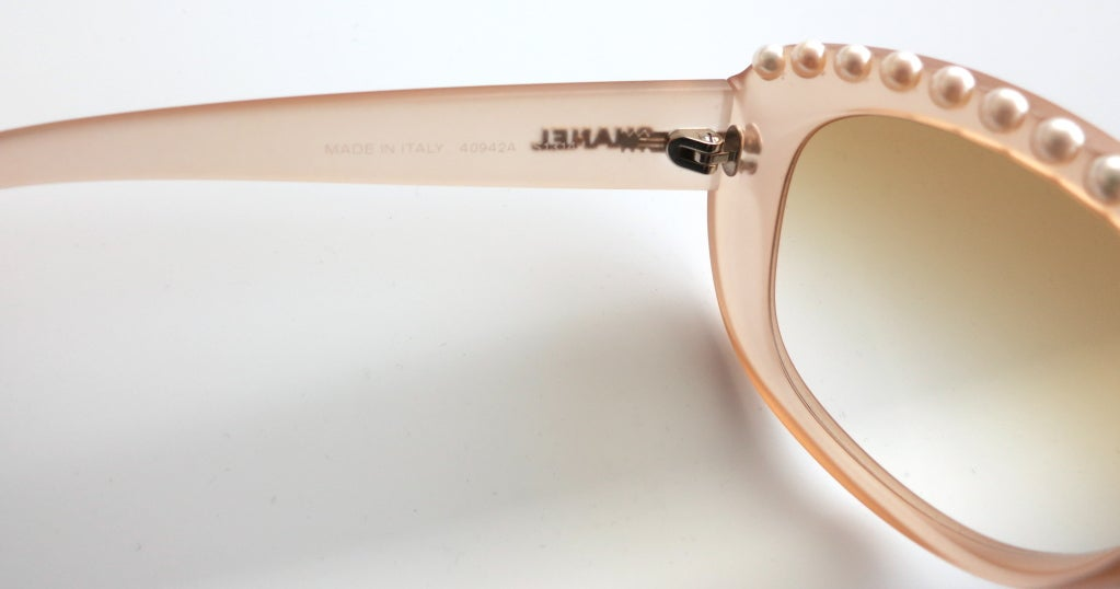 Unworn CHANEL PARIS encapsulated fresh water pearl sunglasses image 7