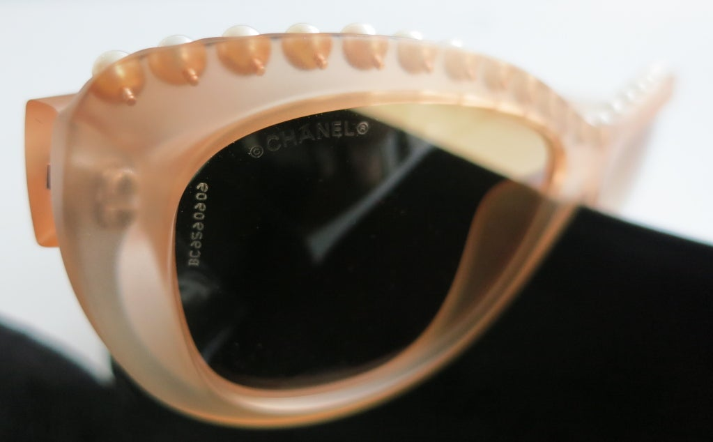 Unworn CHANEL PARIS encapsulated fresh water pearl sunglasses image 9