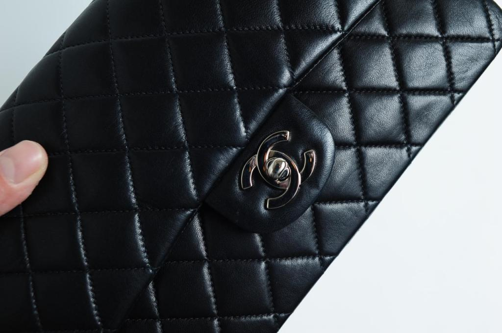 CHANEL PARIS Classic 2.55 Black quilted leather purse image 7