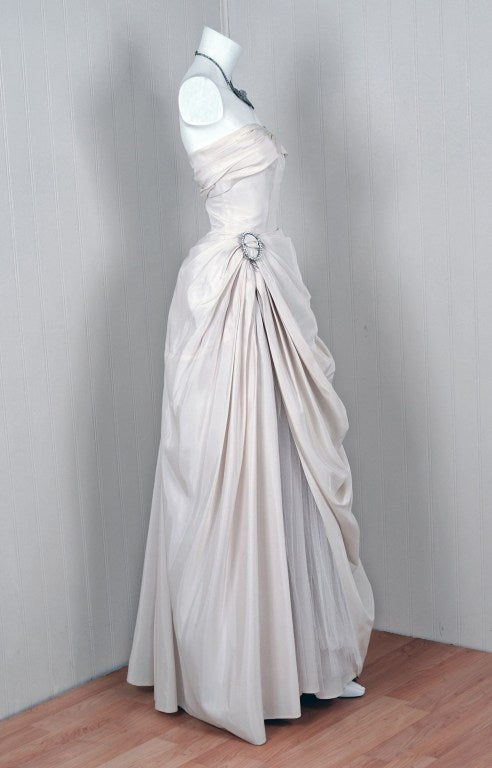 1950's Ivory-White Strapless Draped-Swag Taffeta Starlet Gown 2