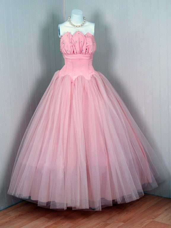 1950's Champagne-Pink Taffeta & Tulle Petal-Bust Strapless Gown 2