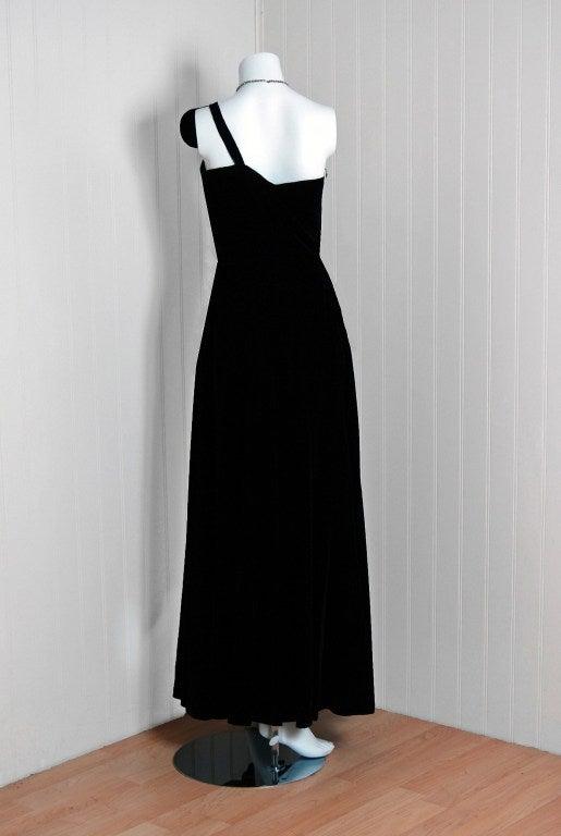 1940 S Black Velvet Asymmetric One Shoulder Bombshell Gown