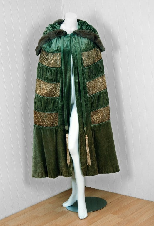 1920's Opulent Metallic Gold-Lame & Sage-Green Velvet Cape-Coat 2