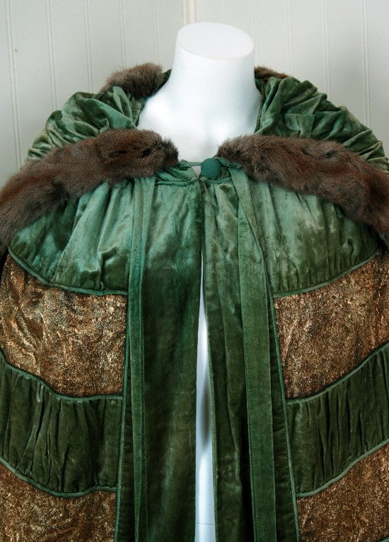 1920's Opulent Metallic Gold-Lame & Sage-Green Velvet Cape-Coat 3