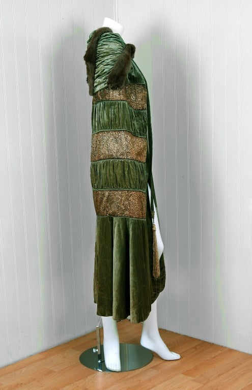 1920's Opulent Metallic Gold-Lame & Sage-Green Velvet Cape-Coat 5