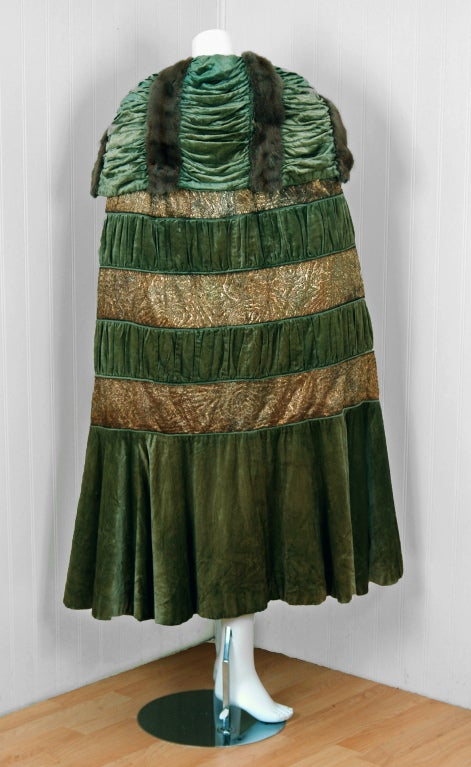 1920's Opulent Metallic Gold-Lame & Sage-Green Velvet Cape-Coat 6