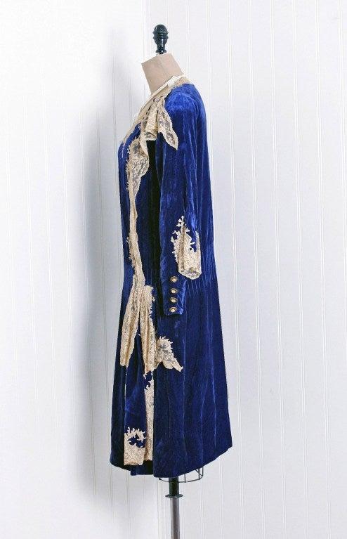 Women's 1920's Sapphire-Blue Velvet & Lace Evening Flapper Dress