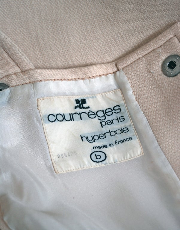 1966 Courreges Hyperbole Couture Ivory Wool Space-Age Mod Mini Jumper Dress For Sale 1