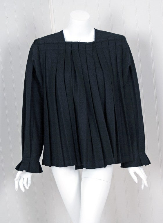 1990's Issey Miyake Pleated Black Wool Cropped Swing Coat Jacket 2