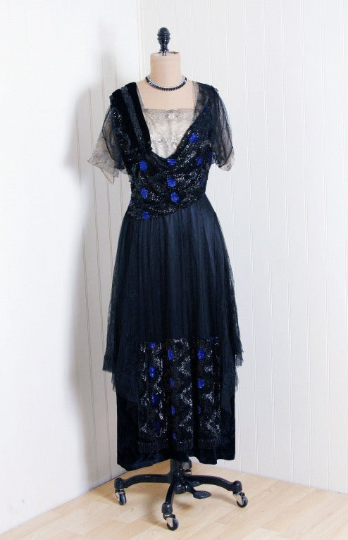 1910's Edwardian Sequin-Sparkle Silk & Chantilly-Lace Tea Gown 2