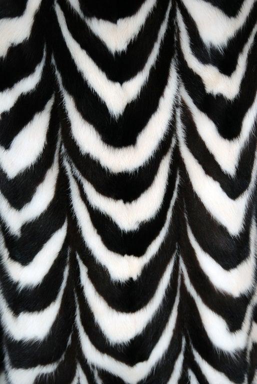 1960's Luxurious Op-Art Stripe Mink-Fur Double-Breasted Coat 1