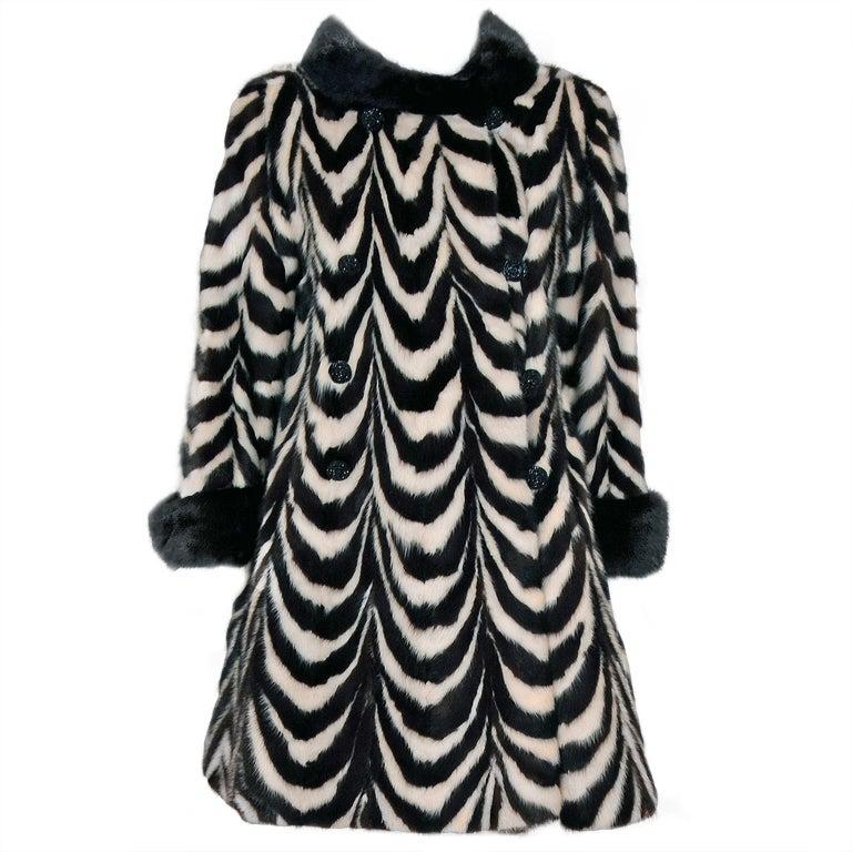1960's Luxurious Op-Art Stripe Mink-Fur Double-Breasted Coat