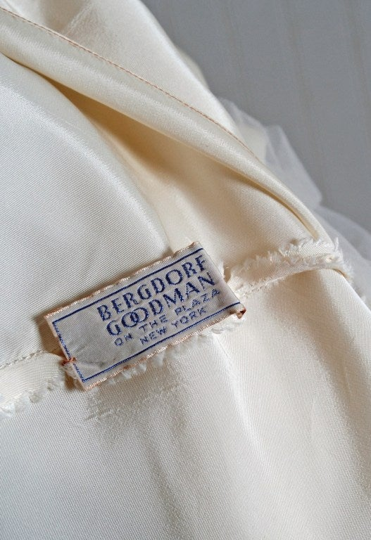 1940's Bergdorf Goodman Ivory-White Sequin Metallic Embroidery Strapless Gown For Sale 3