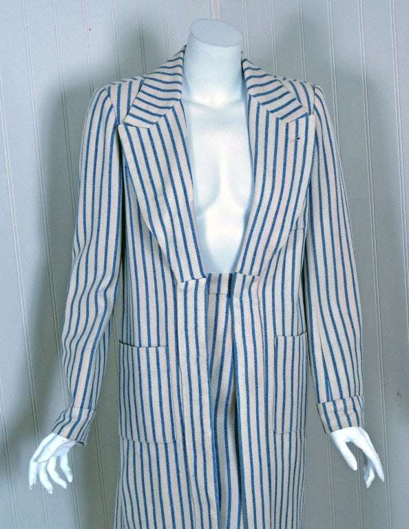 1960's Hermes Paris Blue & Ivory Pinstripe Wool Mod Skirt Jacket Suit Ensemble In Excellent Condition For Sale In Beverly Hills, CA