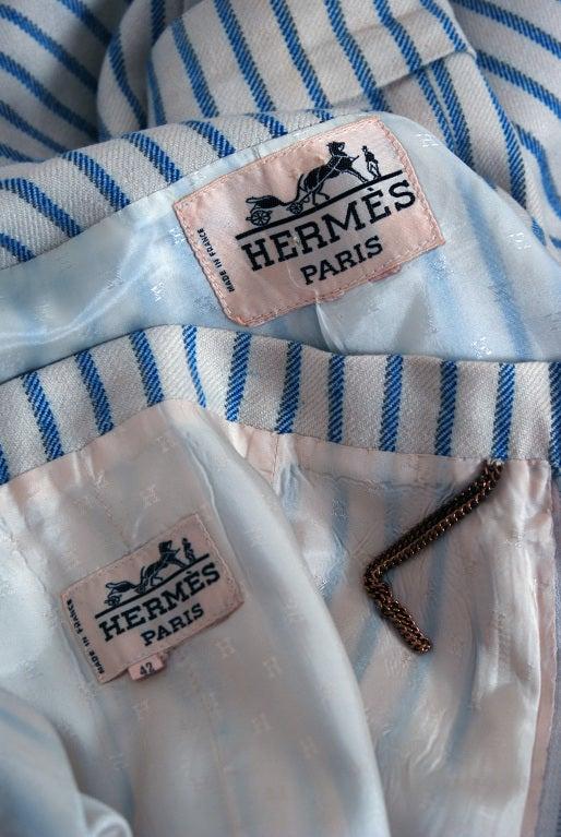 1960's Hermes Paris Blue & Ivory Pinstripe Wool Mod Skirt Jacket Suit Ensemble For Sale 2