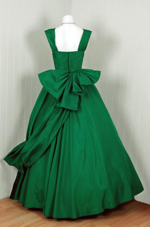 1950 S Elegant Emerald Green Taffeta Draped Side Full Gown