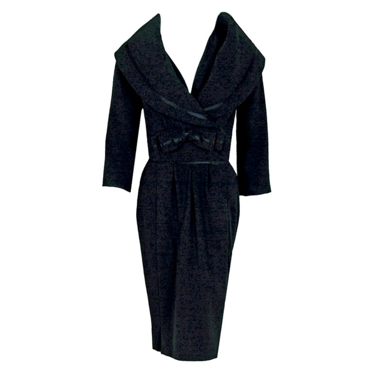 1940 39 s jean patou haute couture black wool and satin dress for Haute couture suits