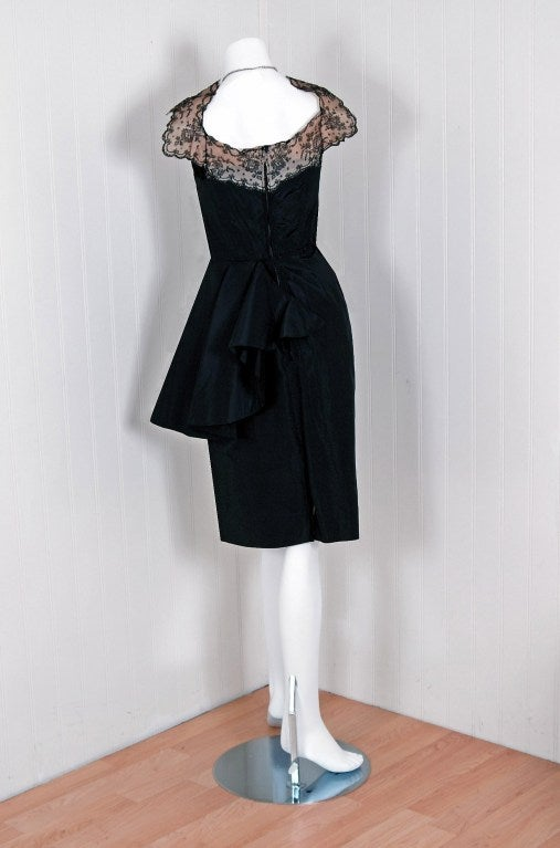 1940's Chantilly-Lace & Silk Sheer-Illusion Peplum Hourglass Cocktail Dress In Excellent Condition For Sale In Beverly Hills, CA