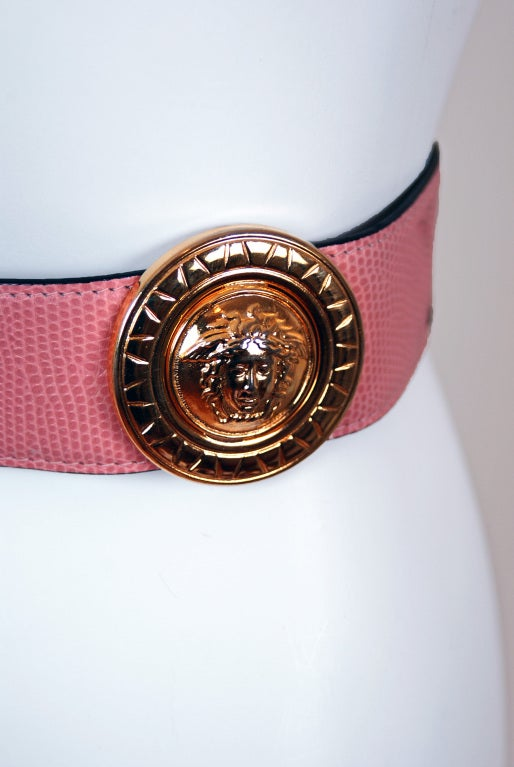 1990's Gianni Versace Couture Rare Pink Leather Gold Medusa Belt 2