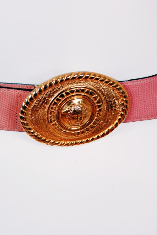 1990's Gianni Versace Couture Rare Pink Leather Gold Medusa Belt 3