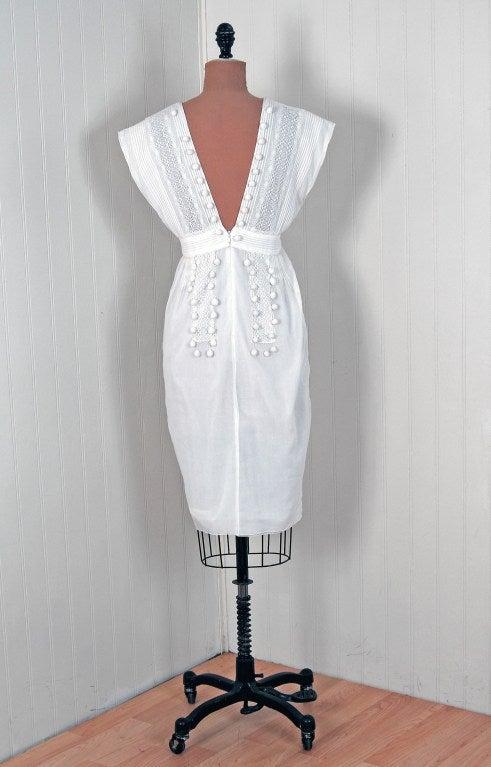 1970's Chloe Crisp-White Cotton & Lace Low-Cut Plunge Sun Dress For Sale 2