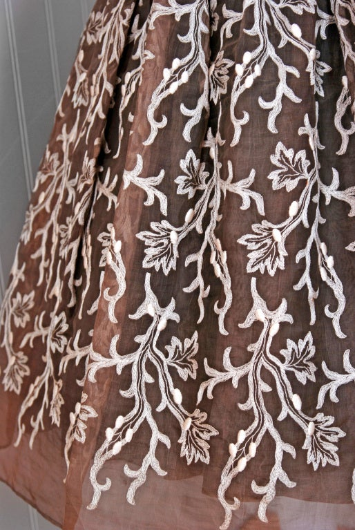 1954 Traina-Norell Embroidered Leaves Motif Mocha Silk-Organza Full Party Dress 4