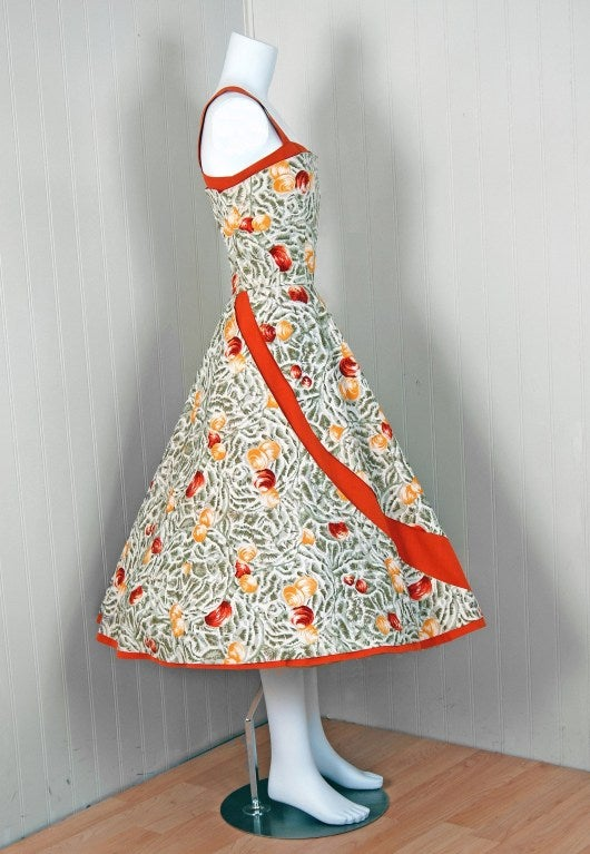 1950's Italian Seashells Novelty Print Cotton Circle-Skirt Dress In Excellent Condition For Sale In Beverly Hills, CA