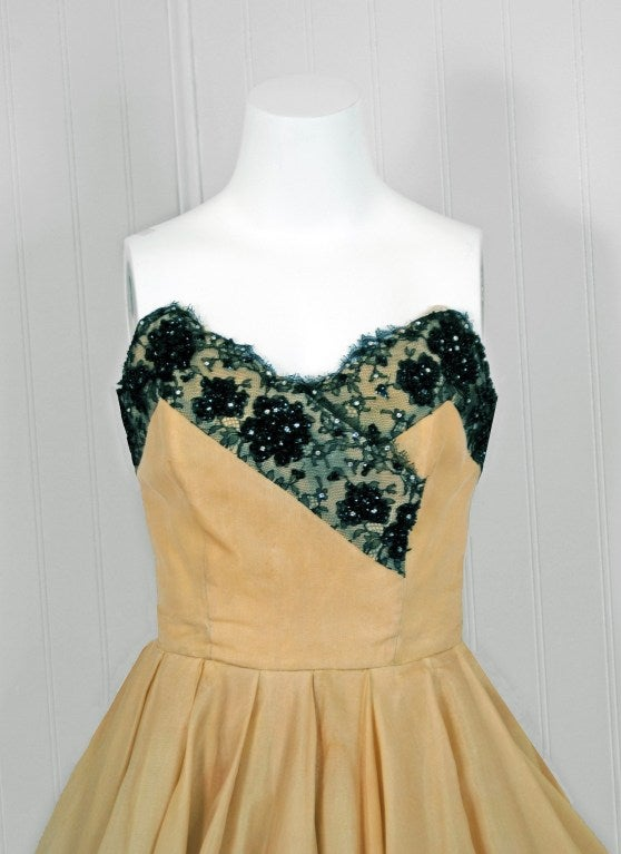 1950's Jacques Fath Pale-Yellow Silk & Black Beaded Lace Strapless Party Dress In Excellent Condition For Sale In Beverly Hills, CA