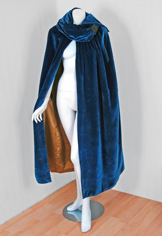 1920's Sapphire-Blue Metallic Embroidered Velvet Flapper Cape 2