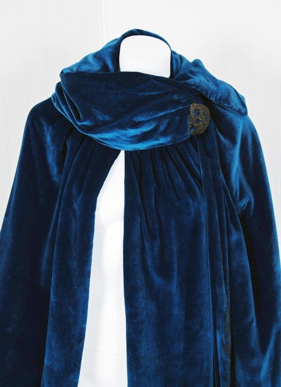1920's Sapphire-Blue Metallic Embroidered Velvet Flapper Cape 3