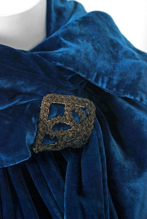 1920's Sapphire-Blue Metallic Embroidered Velvet Flapper Cape 4