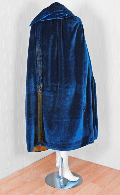 1920's Sapphire-Blue Metallic Embroidered Velvet Flapper Cape 5